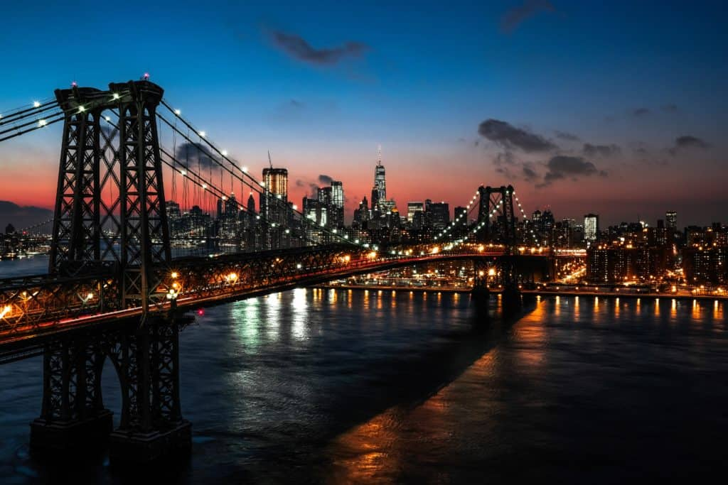 Travel Bus To Visit Places in New York